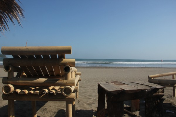 Salah satu sudut pemandangan mengarah ke laut yang ada di Pantai Pangandaran