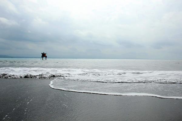 Salah satu sudut memandang laut lepas di Pantai Batu Karas