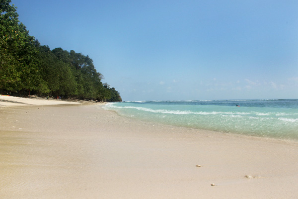 Pantai Pasir Putih menjadi salah satu pantai indah di Kawasan Pangandaran