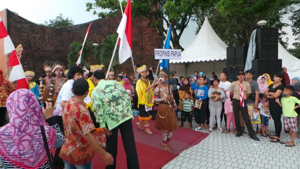 Provinsi Papua tidak mau ketinggalan untuk ambil bagian dalam parade budaya ini