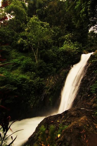Nama Air Terjun Mekalang berasal dari kata kalang yang berarti jernih. Air terjun ini memiliki ketinggian 45 meter