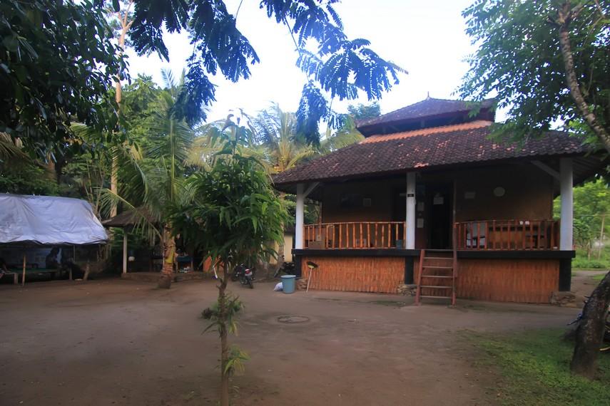 Suasana di dalam kawasan penangkaran jalak Bali FNPF di Desa Ped, Nusa Penida