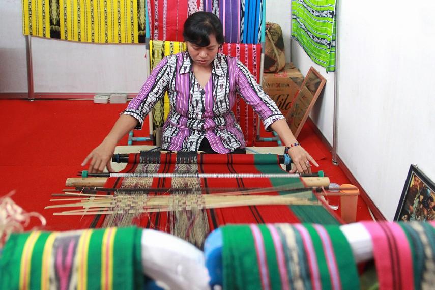 Hingga kini teknik pembuatan tenun ulap doyo sulit dikuasai oleh wanita diluar Suku Dayak Benuaq