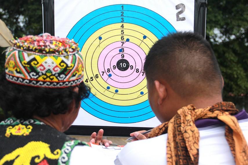 Lomba sumpit ini menjadi salah satu kegiatan yang diadakan dalam rangka digelarnya festival Erau setiap tahun di Kutai Kalimantan Timur