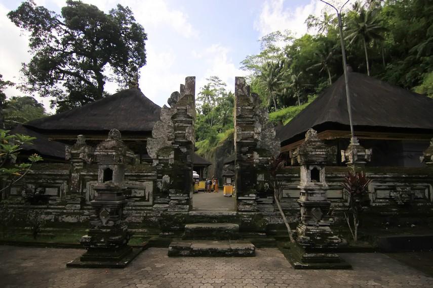 Keseluruhan kompleks candi ini difungsikan sebagai sarana ibadah keluarga raja sejak awal dibangun hingga kini