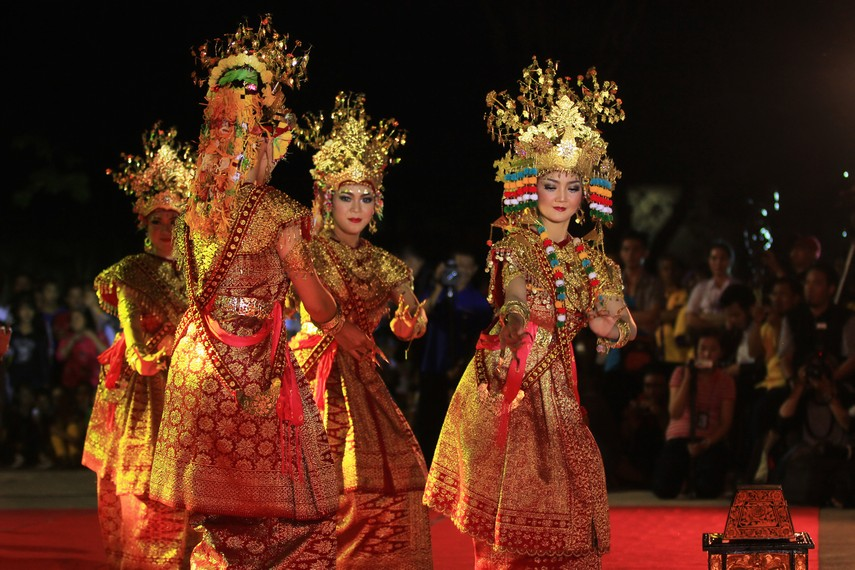 Tarian sakra Gending Sriwijaya turut membuka Festival Sriwijaya 2014 di Palembang, Sumatera Selatan