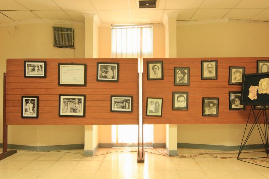 Berbagai foto sastrawan dalam berbagai kesempatan yang dibadikan di PDS HB Jassin