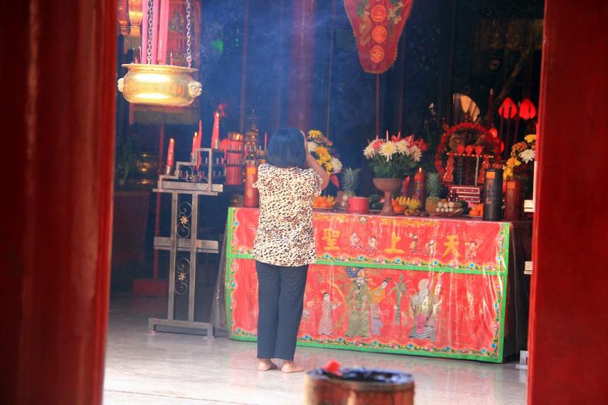 Keberadaan kelenteng Ban Hing Kiong di Manado juga merepresentasikan tingkat kemajemukan masyarakat Sulawesi Utara yang sangat tinggi