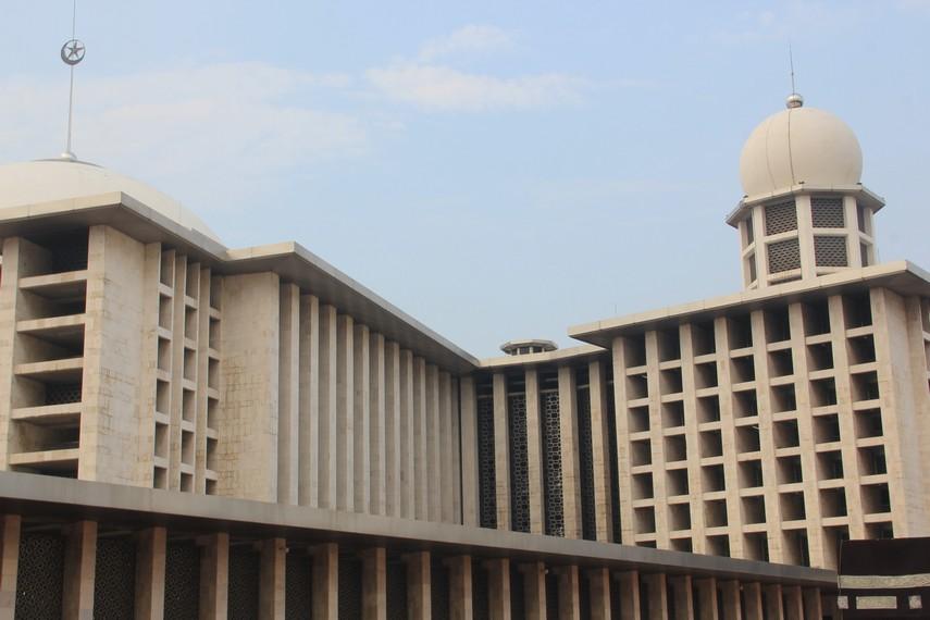 Dalam bahasa Arab, nama Istiqlal berarti kemerdekaan
