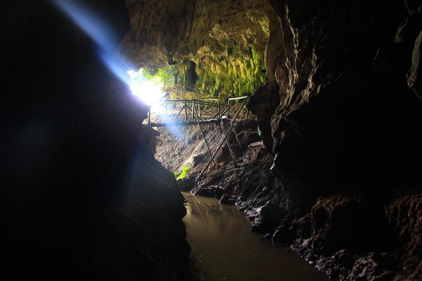 Menyusuri Gua Lalay tetap menjadi destinasi wisata yang menarik bagi wisatawan