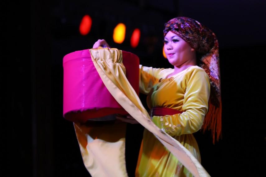 Jaras pada pernikahan adat digunakan sebagai wadah untuk menampung barang-barang yang diminta oleh mempelai perempuan sebagai mahar pernikahan