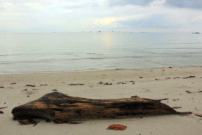 Pantai Ketapang menjadi salah satu destinasi wisata yang ada di kawasan Desa Sijuk, Belitung