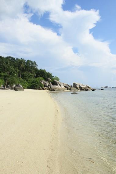Pulau Pegadoran sangat cocok bagi siapa pun yang ingin mencari keheningan