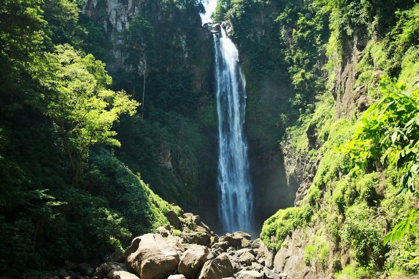 Air Terjun Bissapu merupakan air terjun tertinggi di Kabupaten Bantaeng