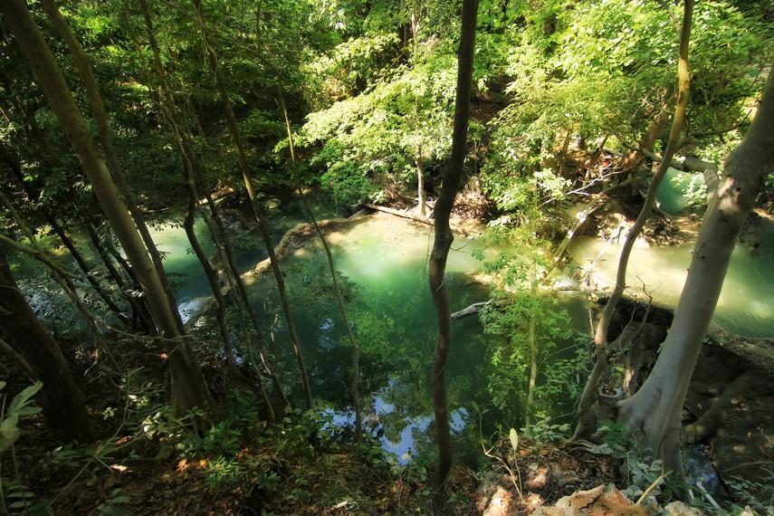 Air Terjun Mata Jitu memiliki ketinggian 10 meter