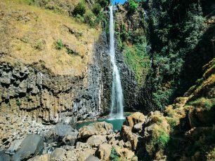 Segarnya Bermain Air di Kolam Air Terjun Takapala