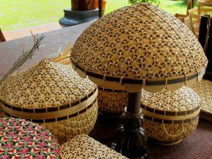 Anyaman Bambu di Tengah Zaman Plastik