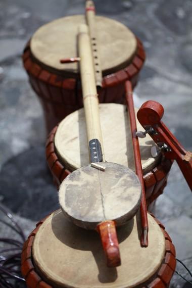 Arababu biasa dipadukan dengan berbagai instrumen lain seperti tifa dan gong