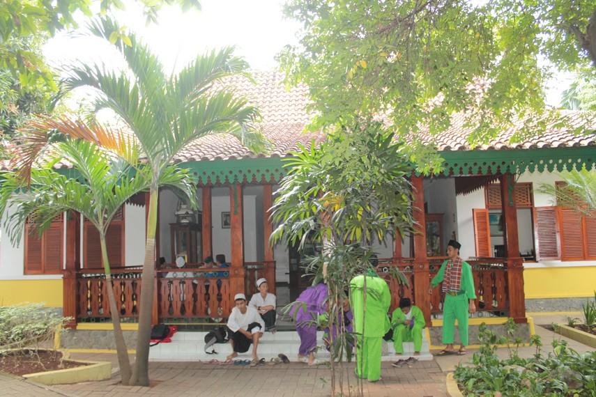 Arsitektur gaya China dan Arab ikut mempengaruhi Rumah Betawi