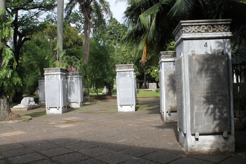 Sebelum diresmikan pada tahun 1977, awalnya museum ini merupakan area makam Kebon Jahe Kober