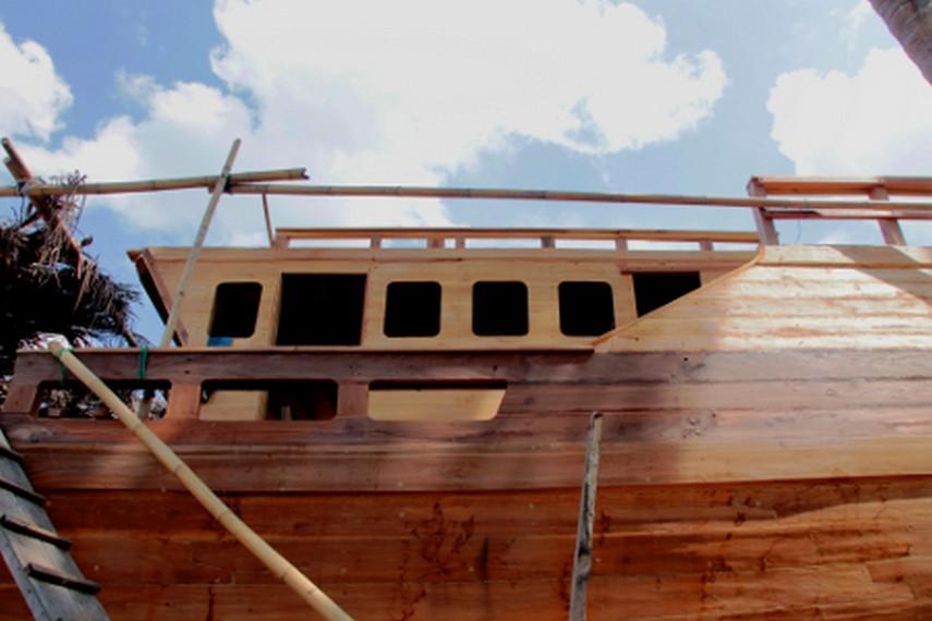 Bagian tengah perahu Pinisi yang menjadi perahu kebanggaan warga Bugis Makassar
