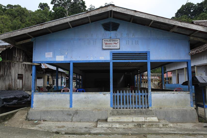 Balai Desa Sawai yang merupakan salah satu bangunan tua di sejak Desa ini pertama kali berdiri.
