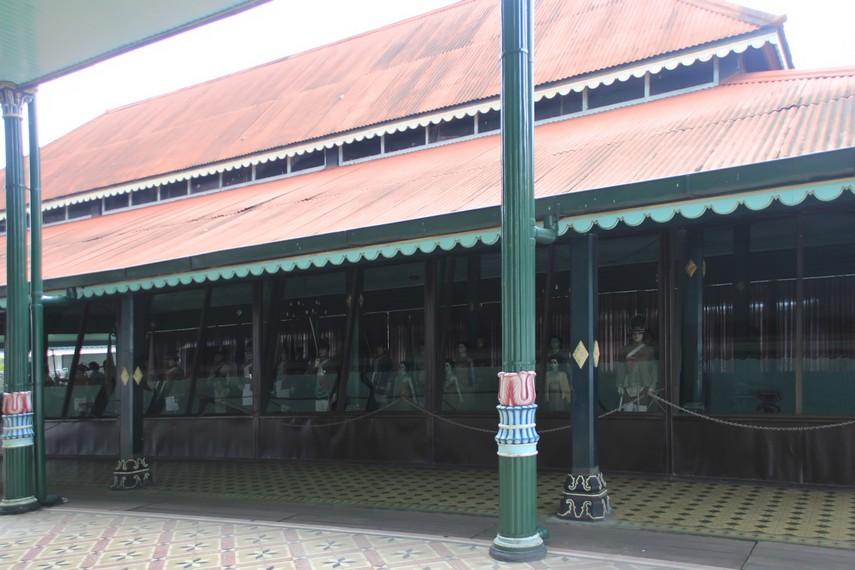 Bangunan museum yang memajang berbagai barang peninggalan Sultan di Keraton Yogyakarta