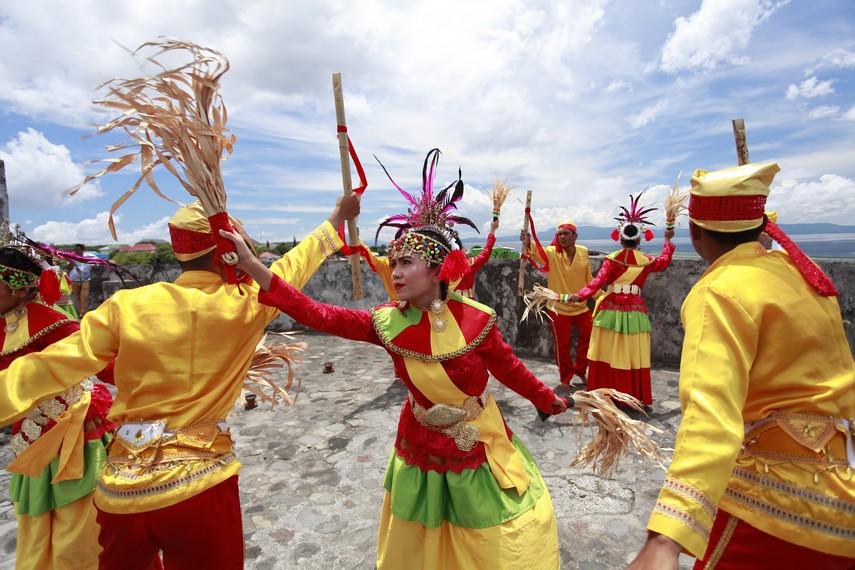 Banyak gerakan Salai Jin yang menyiratkan hal-hal mistis