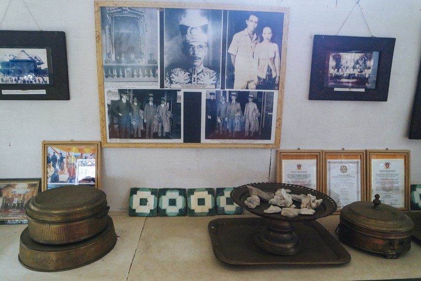 Barang-barang lain beserta foto kenangan saat Kerajaan Bulungan Berjaya pun dapat ditemui di Museum Bulungan