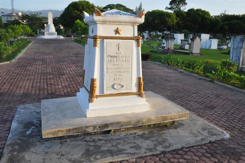 Batu Nisan Jenderal Johan Harmen Rodolf Kohler yang dipindahkan dari Jakarta