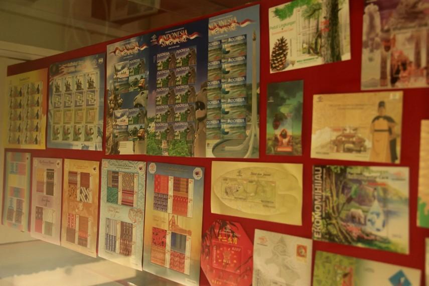 Beberapa koleksi perangko yang terdapat di Museum Perangko