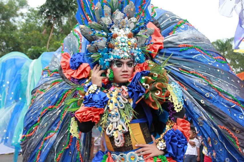 Belitung Beach Festival ini melibatkan sekitar 75 peserta dari Jember fashion carnaval