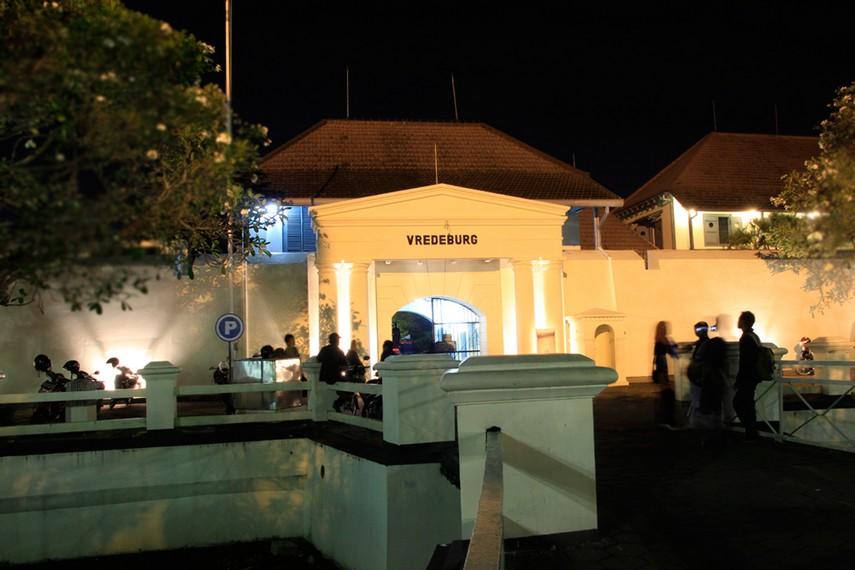 Benteng Vredeburg, salah satu gedung bersejarah yang ada di kawasan Kota Tua Yogyakarta