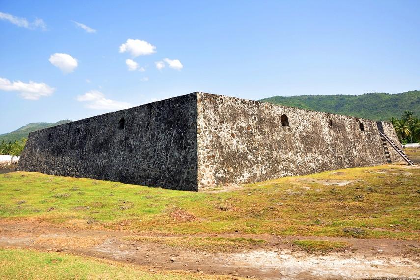 Benteng ini telah ada sejak 604 M dan masih tetap digunakan hingga masa Sultan Iskandar Muda