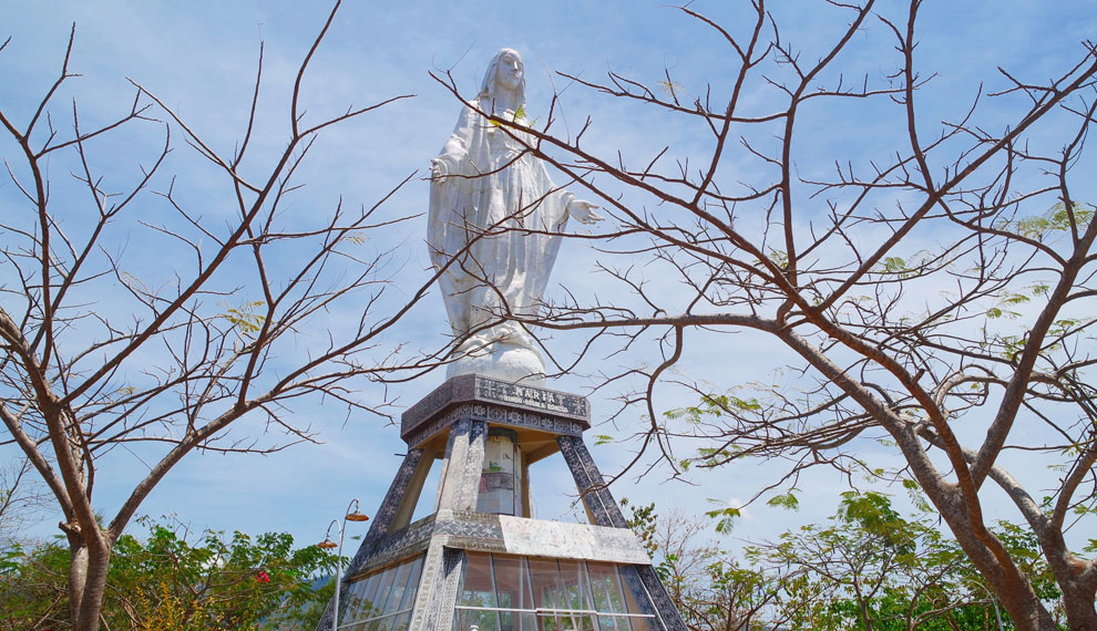 Berada di Puncak Keling Bukit Nilo, Desa Wuliwutik, Kecamatan Nita, Kota Maumere, Flores