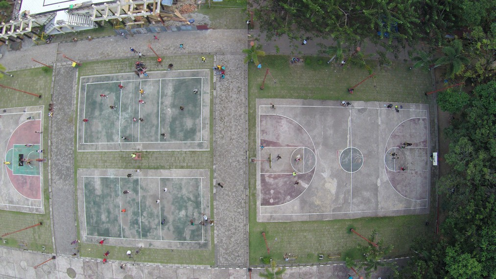 Berbagai Aktifitas Olahraga di Taman Pattimura