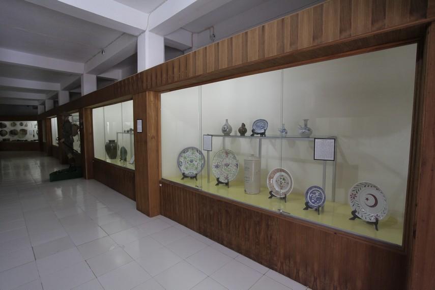 Berbagai koleksi Museum Siwalima yang ditampilkan