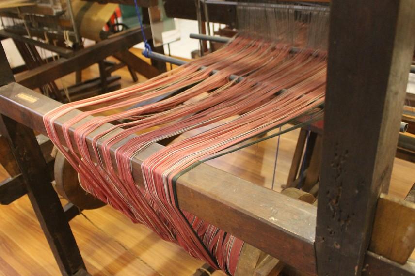 Bermacam alat tenun tradisional melengkapi koleksi Museum Tekstil