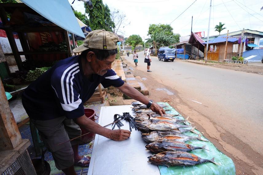 Biasanya bahan dasar ikan Asar adalah ikan Tongkol, ikan Ekor Kuning atau ikan Cakalang
