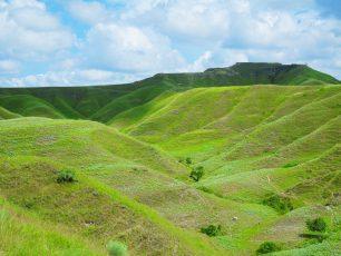 Bukit Tenau, Satu Lagi Pesona Keindahan Dari Timur Sumba