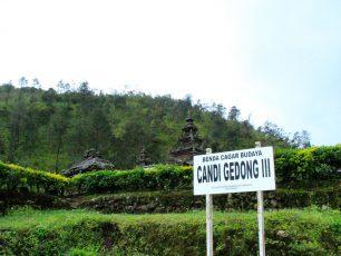 Menikmati Wisata Religi di Komplek Candi Gedong Songo