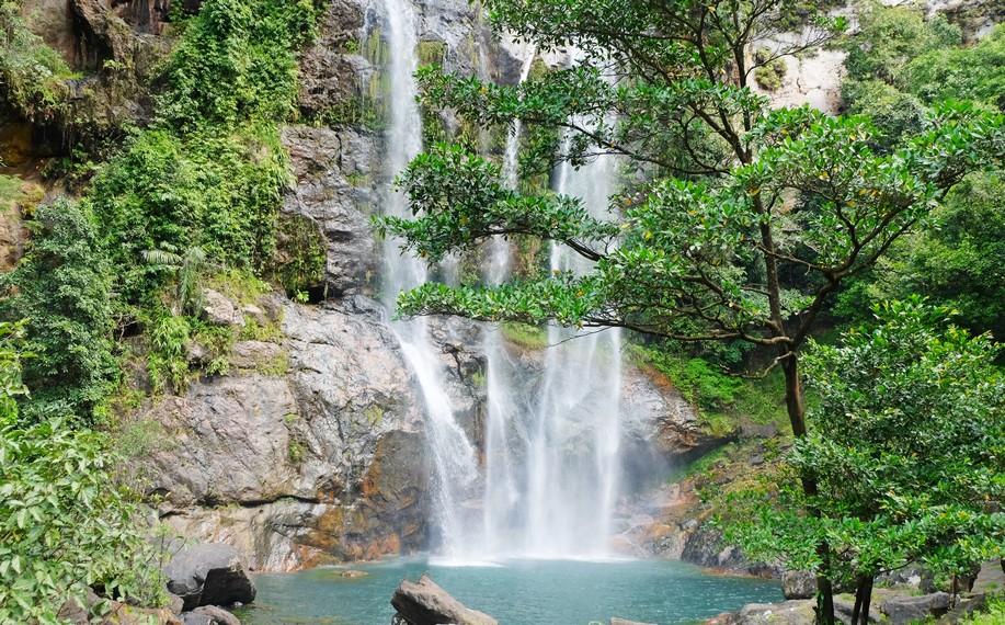 Cunca Rami memiliki arti, Cunca yang berarti air terjun dan Rami yang berarti hutan