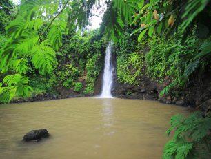 Keindahan Air Terjun Bangkong Hingga Mitos Gua Pertapaan