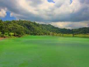 Danau Linow, Kecantikan Danau 3 Warna dari Tomohon