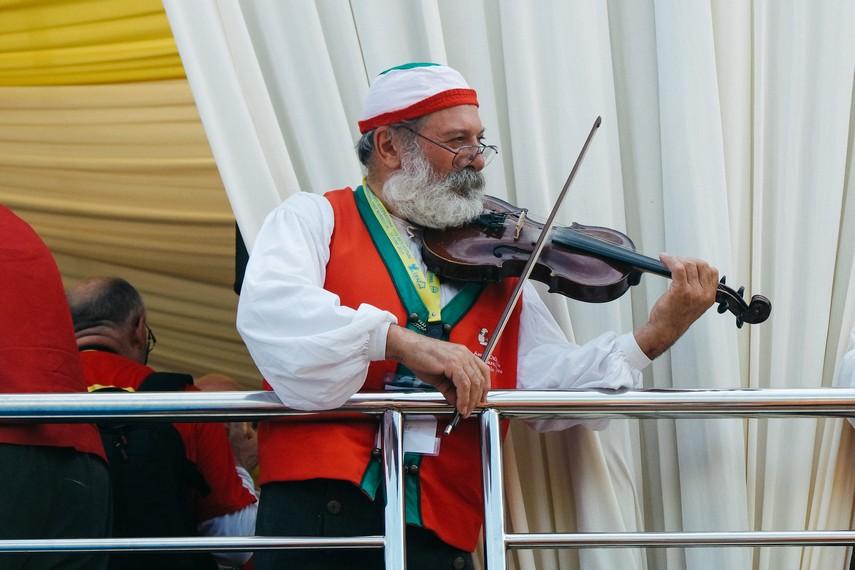 Daya tarik Festival Erau bahkan menjadi pusat perhatian warga dunia