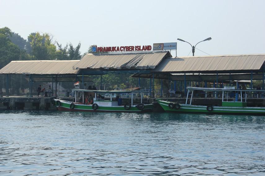 Dermaga untuk para pengunjung yang ingin singgah di Pusat Pemerintahan Kepulauan Seribu ini