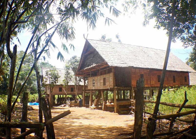 Desa ini dinamakan Tana Toa yang merupakan tanah yang tertua di dunia