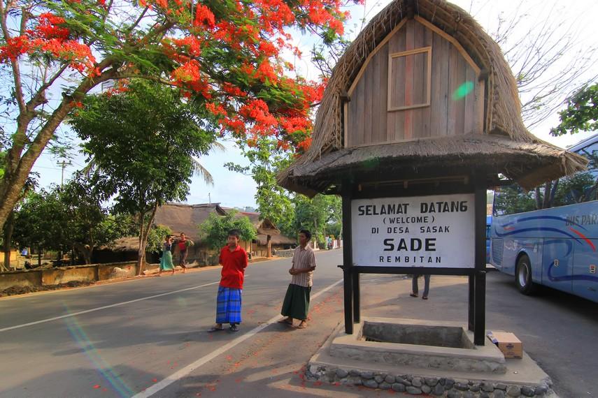 Desa ini terletak di Desa Rembitan, Lombok Tengah, Lombok, NTB