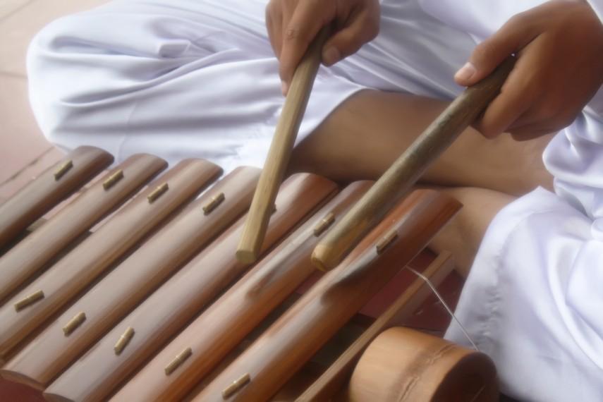Di Liwa, Lampung Barat, Gamolan Pekhing disebut juga Cetik