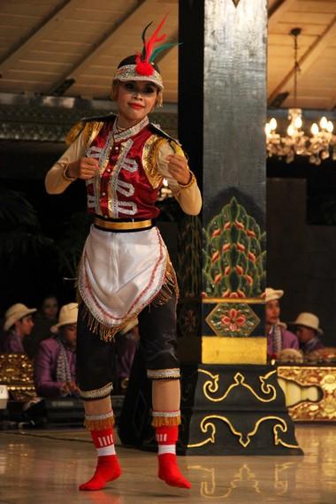 Di tempat asalnya, Kulon Progo, senam angguk ceria biasa dilalukan pada pagi dan sore hari